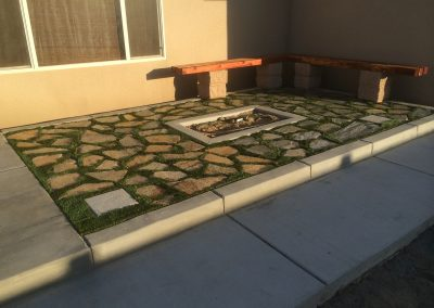 7 oaks pavers synthetic turf redwood bench 4
